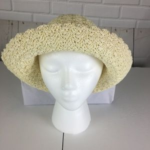 Country Lovely Ivory Paper Roll Up Hat